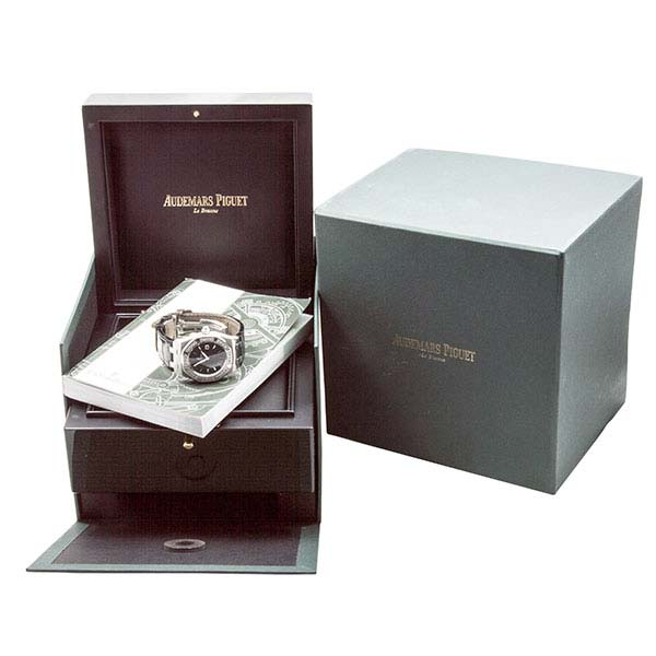 Часы Audemars Piguet Royal Oak Lady Quartz 33 mm фото