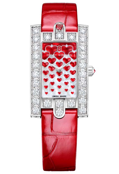 Фото женских часов Harry Winston Avenue Classic Sweet Valentine